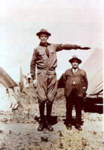 Robert_Wadlow_tallest scout in the world-208x300